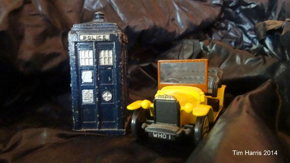 OLG Doctor Who pages - The Tardis and Bessie